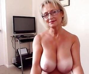 Mature Butt - Videos